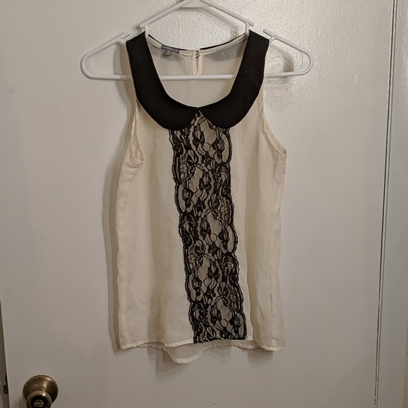 Charlotte Russe Tops - Charlotte Russe top with lace